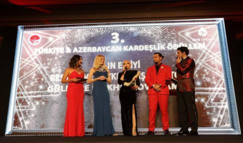 Gülnare Mukhtarova Pamuk'a Türkiye'de Büyük Gurur